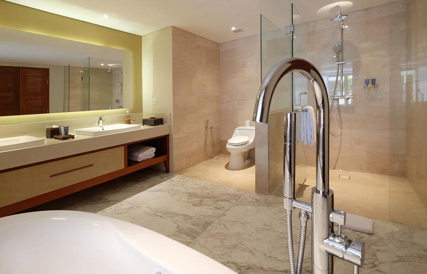 The Bandha Hotel & Suites Bali - Kamar mandi (Family Suite)