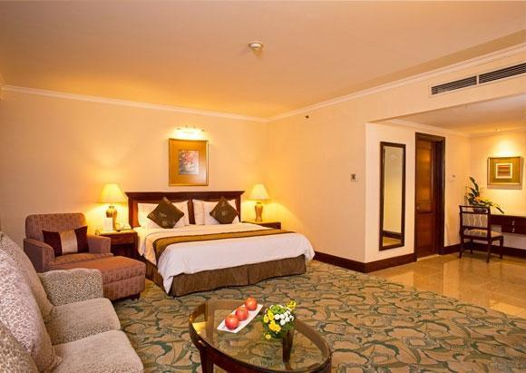 Aston Tropicana Bandung - Junior Suite