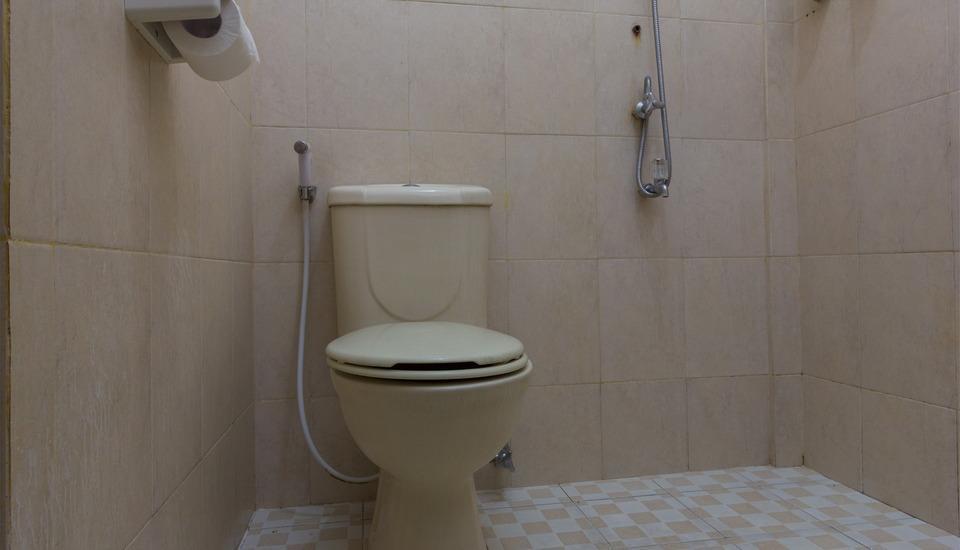 RedDoorz @Kubu Anyar 3 Bali - Kamar mandi