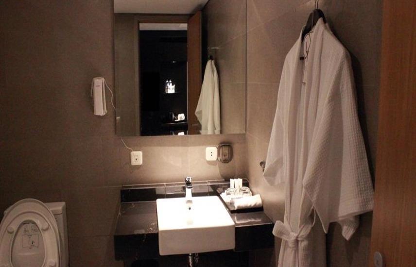 Sakura Park Hotel & Residence Bekasi - Kamar mandi