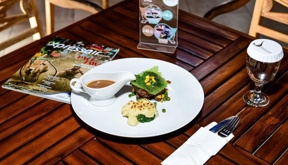 Ayola Tasneem Hotel & Convention Jogja - Food
