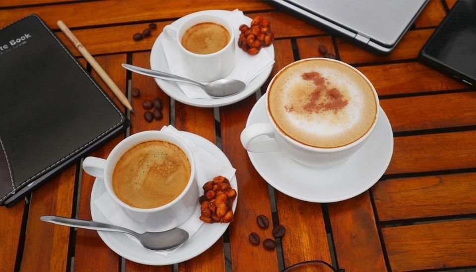Ayola Tasneem Hotel & Convention Jogja - Beverage