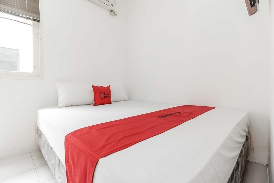 RedDoorz @Tondano Benhil Jakarta - RedDoorz Room Regular Plan