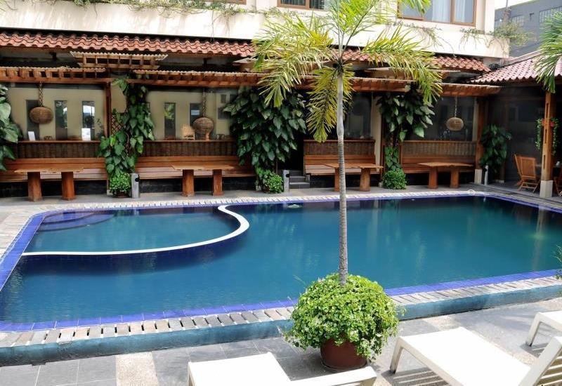 Hotel Mutiara Bandung - Swimming Pool