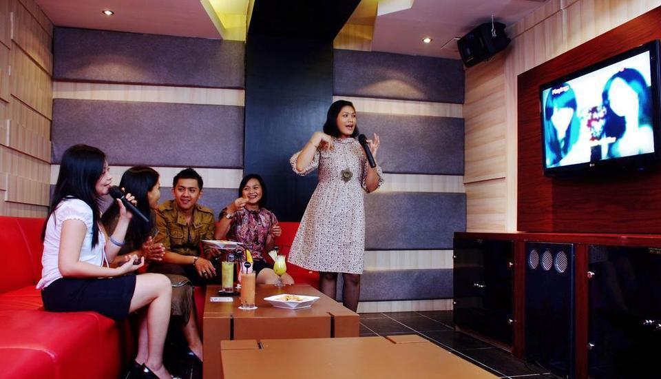 Aston Jayapura - Karaoke