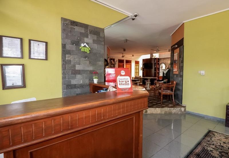 NIDA Rooms Mircan Baru Depok Airport Jogja - Resepsionis