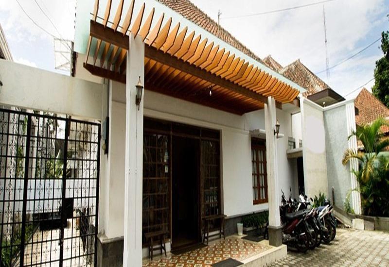 RedDoorz @Burangrang Bandung - Eksterior
