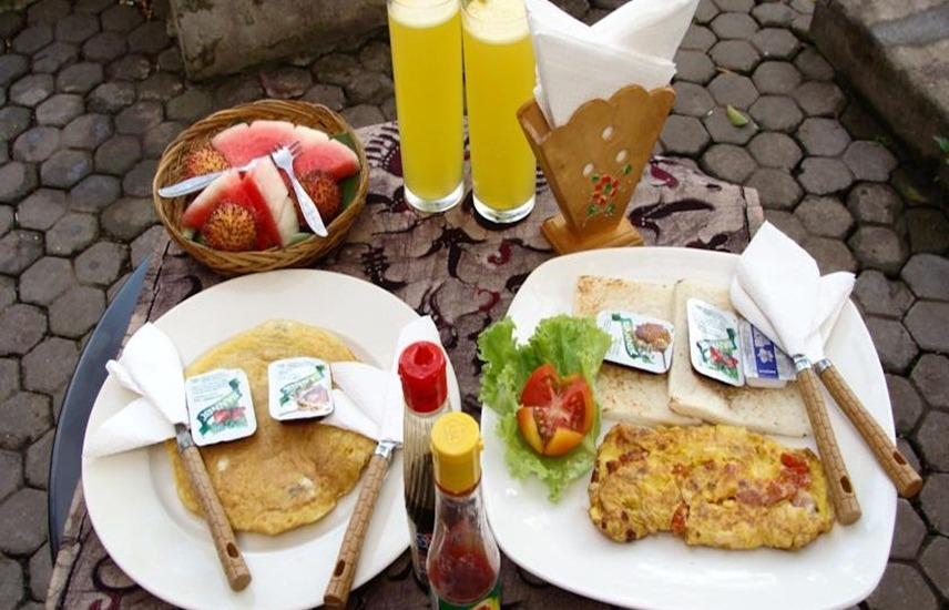 Doubleyou Homestay Bali - Makanan