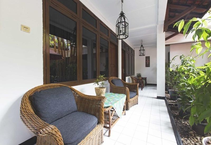 RedDoorz near TB Simatupang Jakarta - Eksterior