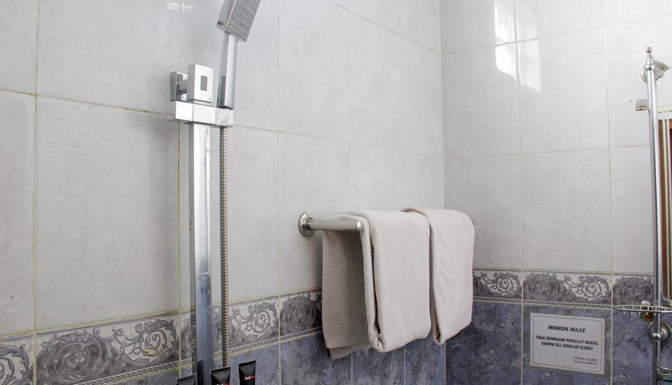 RedDoorz @Lodaya Bandung - Kamar mandi
