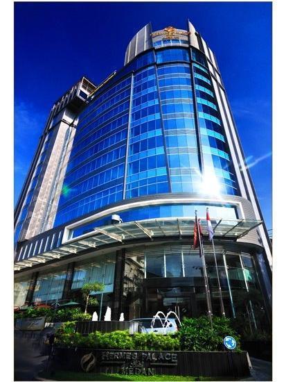Hermes Palace Hotel Medan - Building