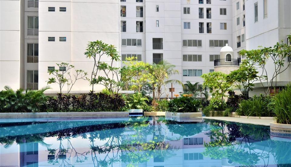 Roomku @ Bassura City Apartment