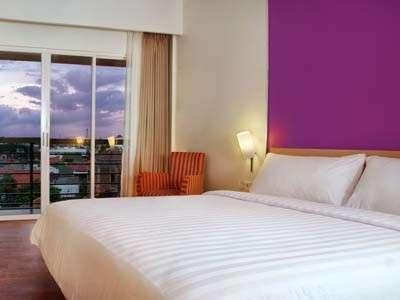 Quest Hotel Semarang - Deluxe - Room Only Regular Plan