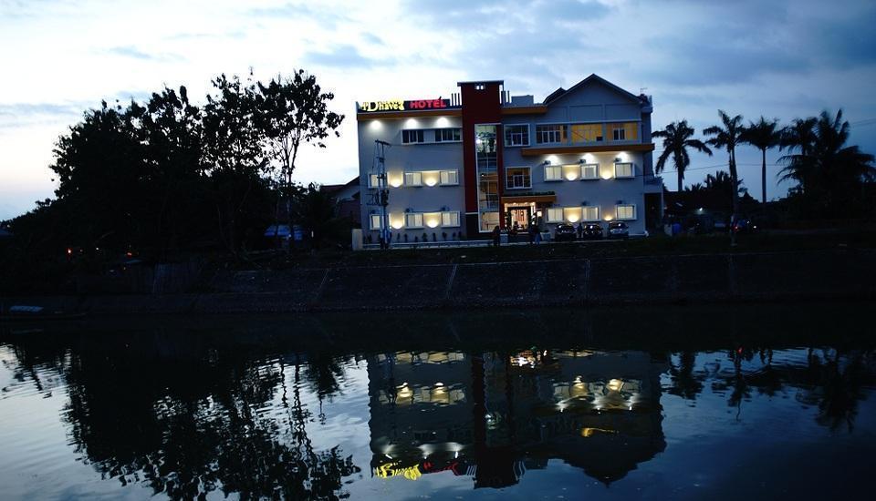 New d'Dhave Hotel Padang - waktu senja