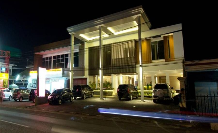 Vinotel Cirebon - Tampilan Luar Hotel