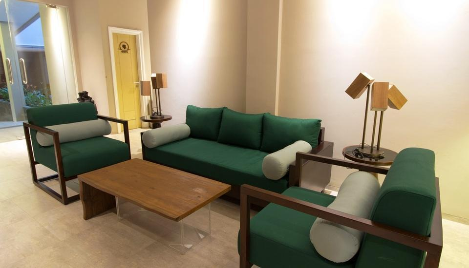 Vinotel Cirebon - Lounge di Lobby