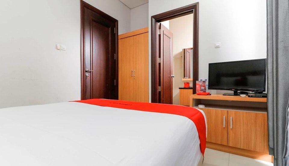 RedDoorz @Kelapa Dua Kebon Jeruk Jakarta - Reddoorz Room Include Breakfast Regular Plan