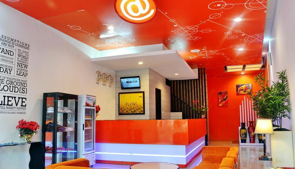 Hotel Alpha Makassar - Lobby