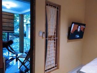 Omah Pelem Syariah Semarang - TV LED 42 inc