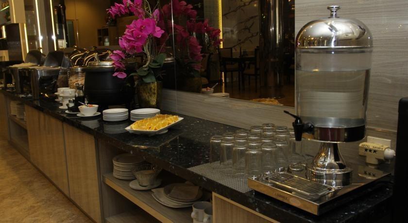 Hotel Yasmin Makassar - Sarapan prasmanan
