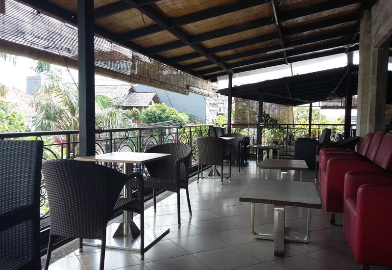 Merak Lifestyle Hotel Denpasar - Area restauran
