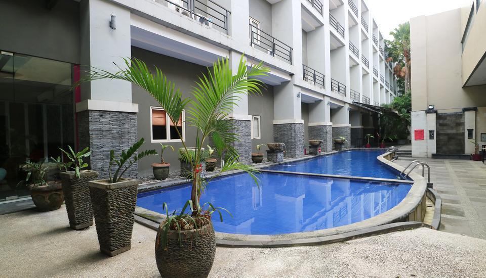 Grand Lifestyle Hotel Denpasar - Swimming Pool