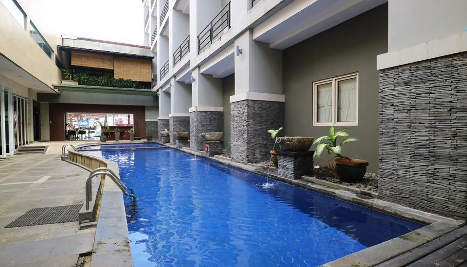 Grand Lifestyle Hotel Denpasar - Pool