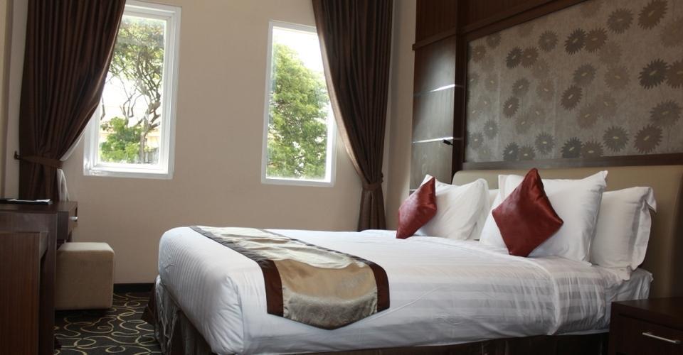 Adhiwangsa Hotel Solo - Superior King Bed