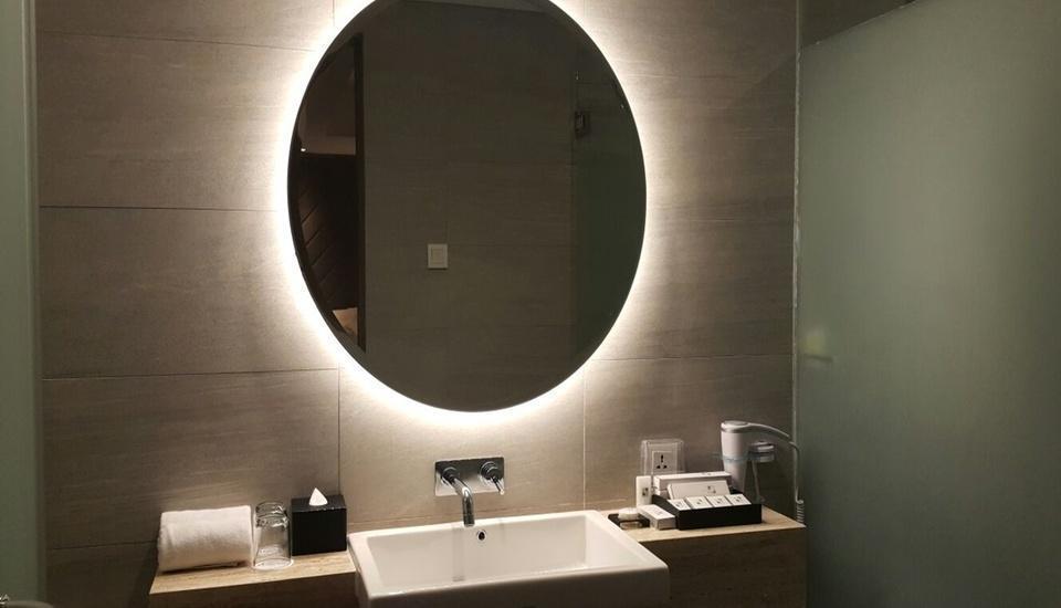 Swiss Belinn Simatupang Jakarta - Business Suite BathroomBusiness Suite Bathroom