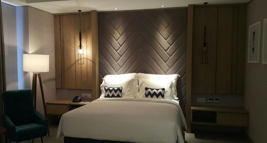 Swiss Belinn Simatupang Jakarta - Business Suite Bedroom