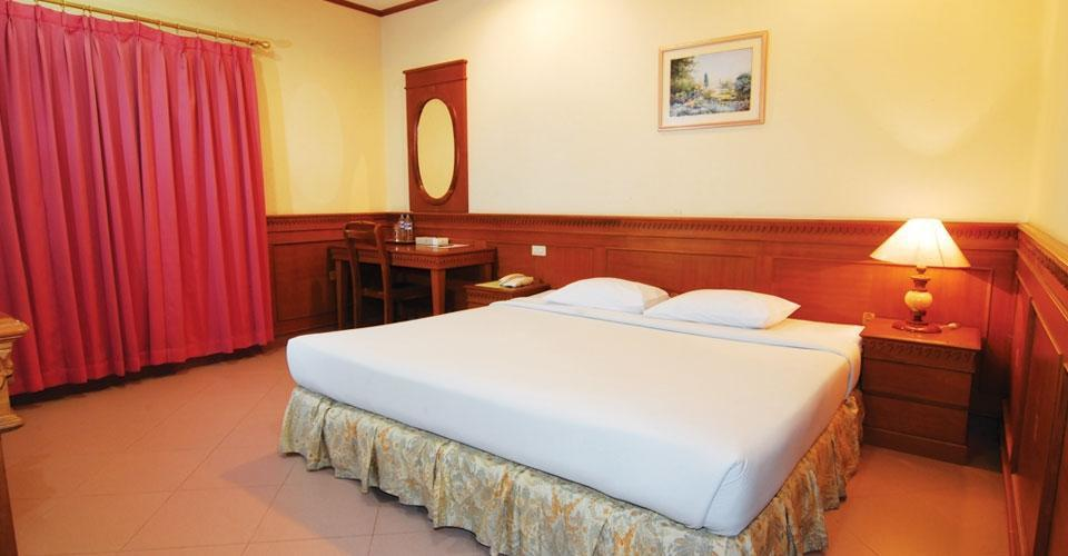 Royal Regal Hotel Surabaya - Standard Room Regular Plan