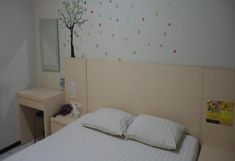 Hotel SWK 95 Surabaya - Standard Room Regular Plan