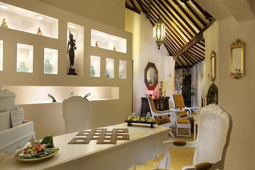 Keraton Jimbaran Resort Bali - Ruang makan