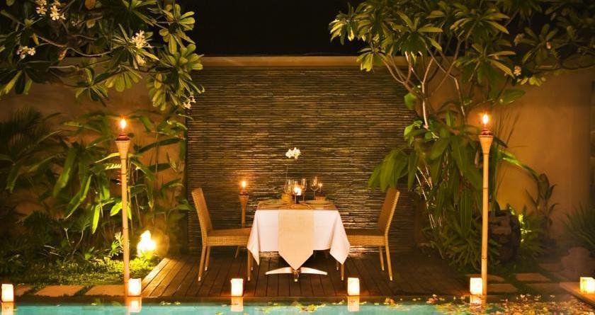 DISINI Luxury Spa Villa Bali - Dining outdoor