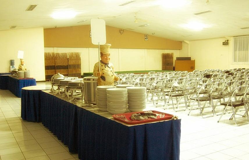 Bumi Makmur Indah Hotel Bandung - Ruang makan