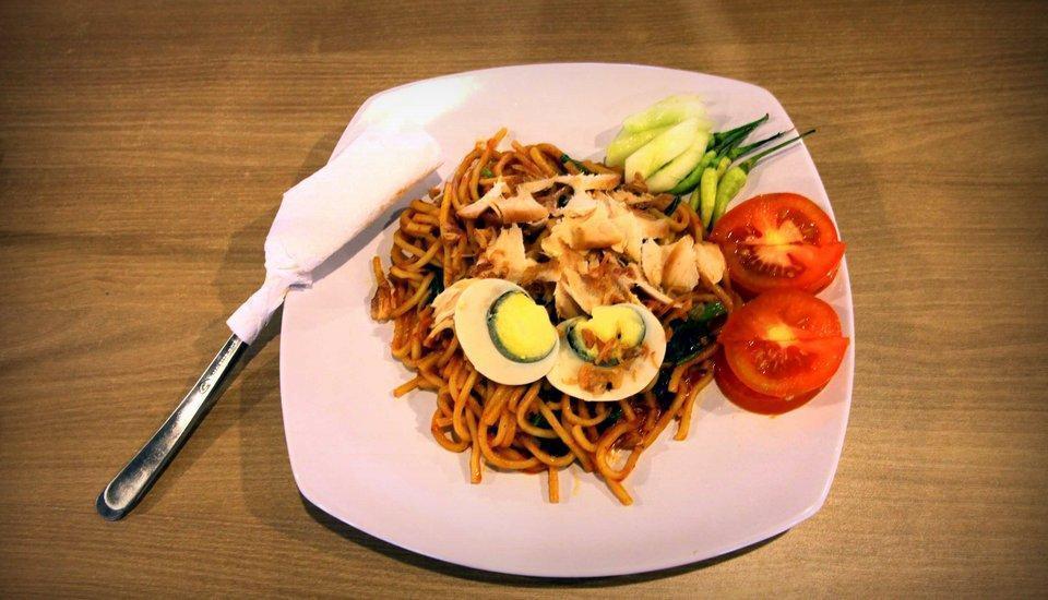 Graha Residen Surabaya - Makanan