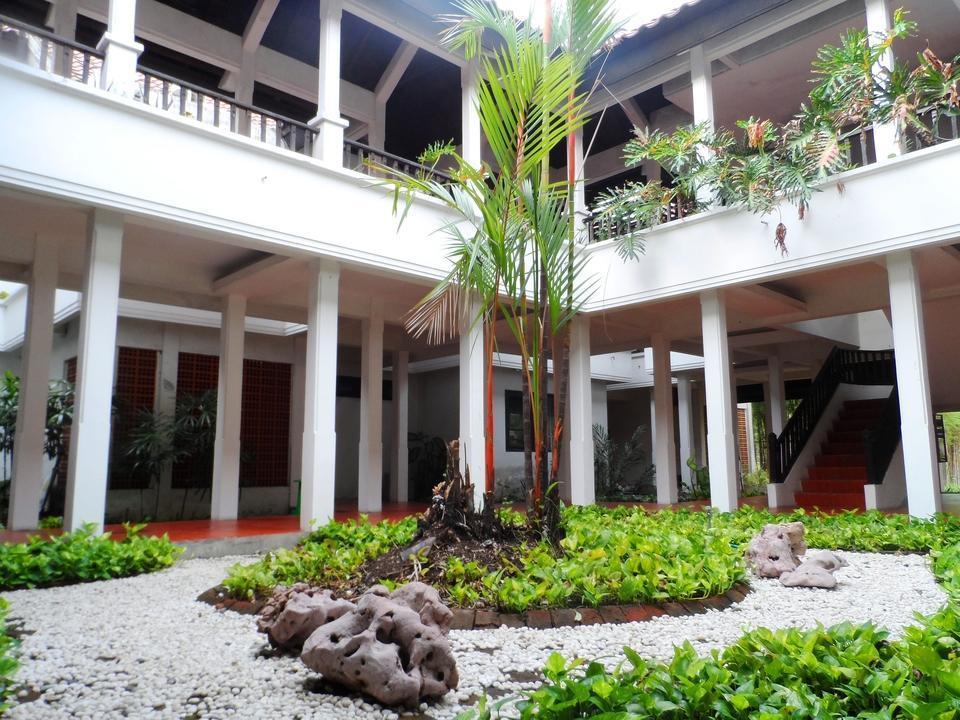 Graha Residen Surabaya - Halaman
