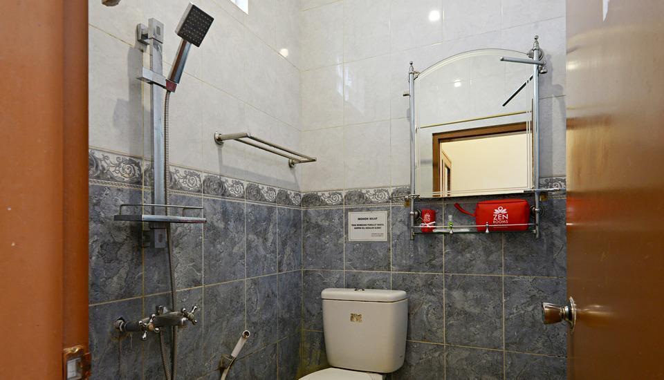 ZenRooms Lodaya - Kamar mandi