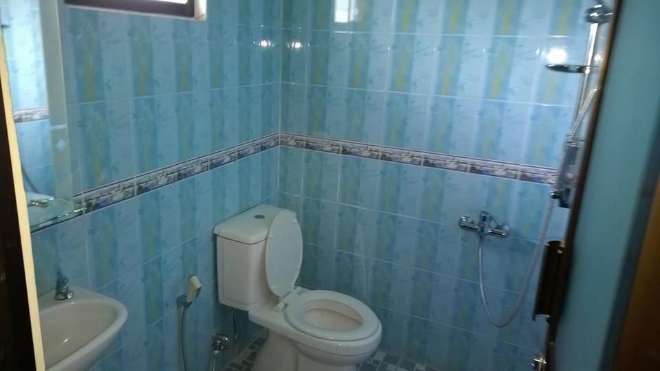 Villa Bella Malang - Bathroom