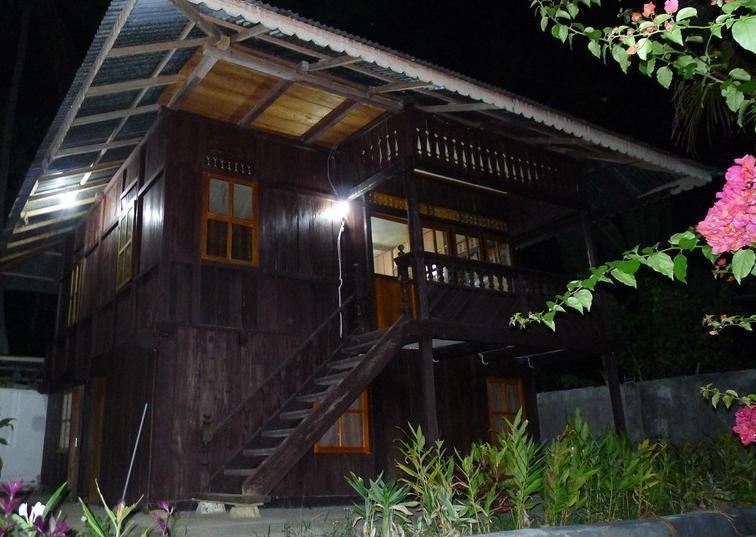 Ue Datu Cottages Poso - Eksterior