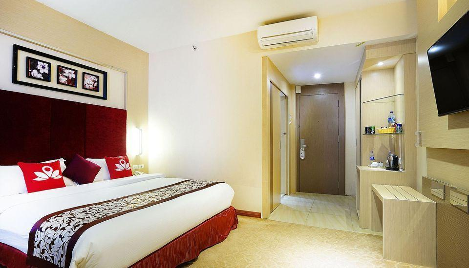 ZenRooms Near BCS Mall Penuin Batam - Double Room Regular Plan