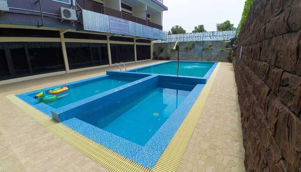Hotel Permata Hijau Sukabumi - kolam renang