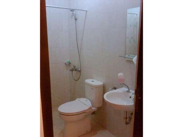 Villa Chocolate Bandung - bath room