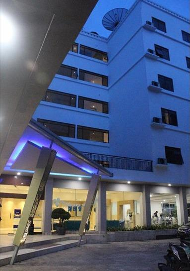 Arnava Hotel Senen Jakarta - Facade