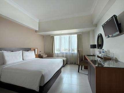 Santika  Pandegiling - Deluxe Room King Ramadhan Promo Regular Plan