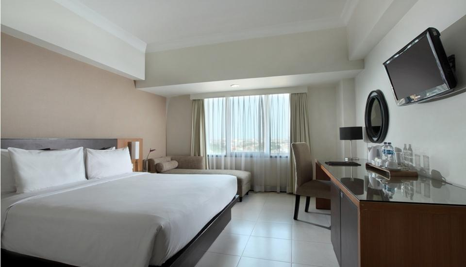 Santika  Pandegiling - Deluxe Executive Room King Ramadhan Promo Regular Plan