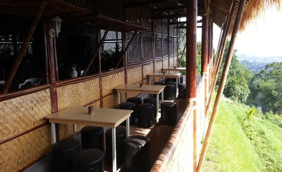 Bukit Cikahuripan Resort Bandung - Restoran