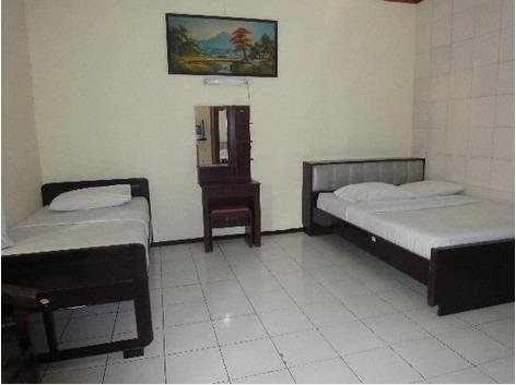 Hotel Megawati Malang - Family 1
