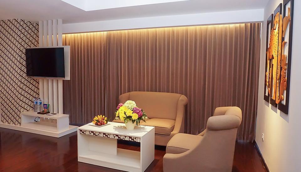 Platinum Adisucipto Hotel & Conference Center Yogyakarta Yogyakarta - Ruang tamu