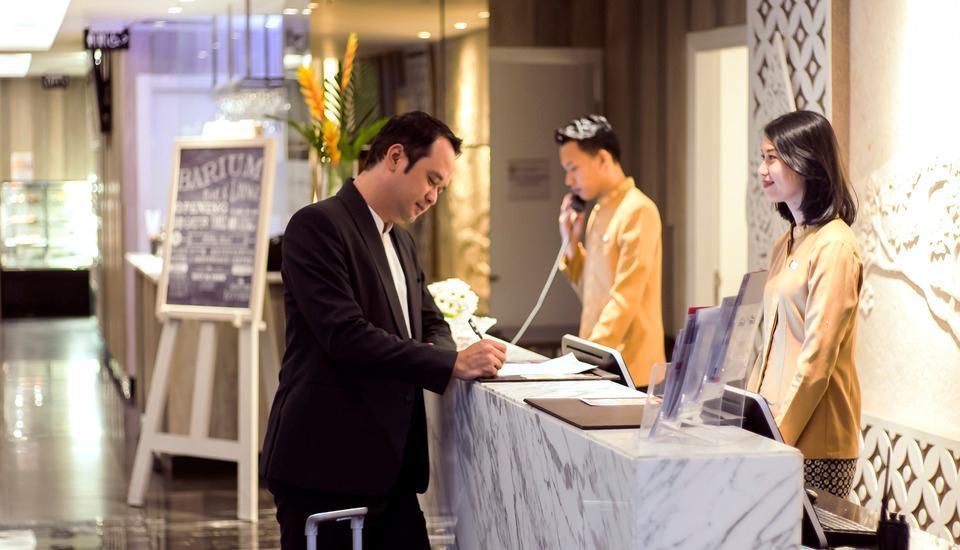 Platinum Adisucipto Hotel & Conference Center Yogyakarta Jogja - Lobby Check In